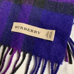 💜 Burberry Wool scarf 💜